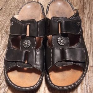 Finn Comfort sandal shoes